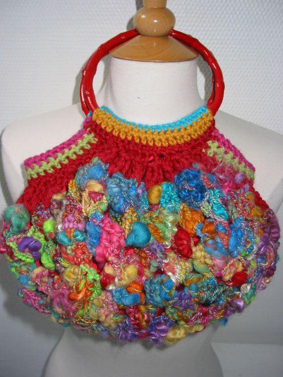http://www.alittlemarket.com/boutique/lainageek-281616.html Sac crocheté en laine filée main