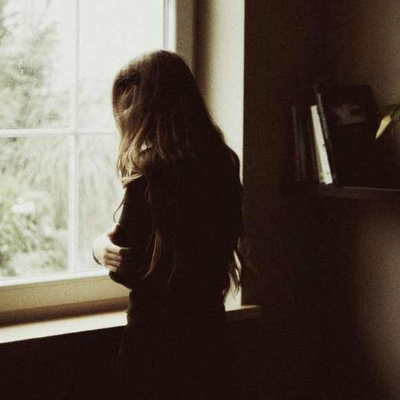 -  نتناوَل منَ أفعالهمَ مَالا تشتهيه أنفُسنا  لكننّا نصمُت لنكُون فيَ رفّ الأفضليّةِ دائماً