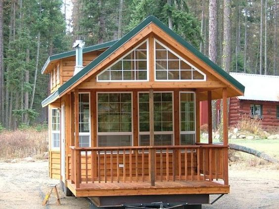 Spacious cabin on wheels with large windows love all the for Windows for log cabins