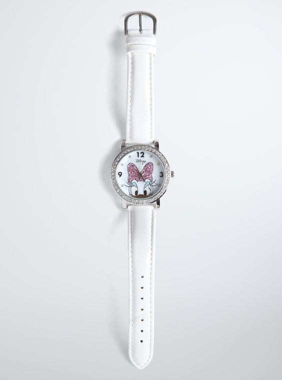 Pave Daisy Duck Watch From the Plus Size Fashion Community at www.VintageandCurvy.com
