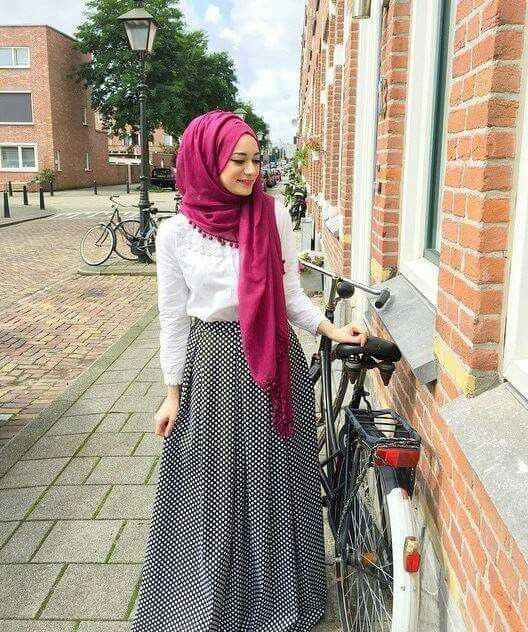 Pinterest Eighthhorcruxx Long Skirt White Top And Bright Hijab Hijab Style Pinterest