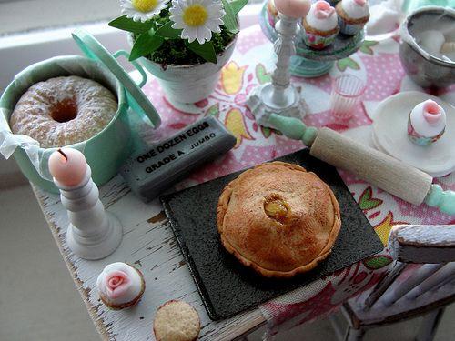 Fresh baked apple pie 1:12 Kim Saulter