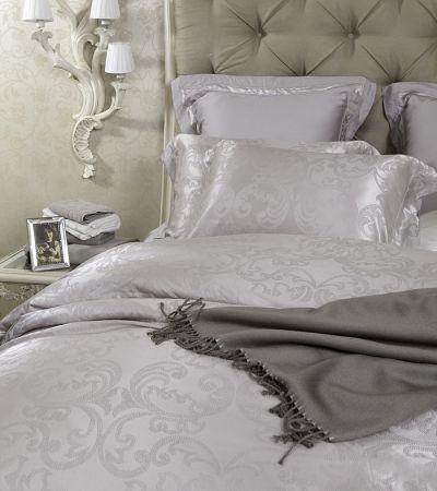 besonders edel im sommer bettw sche aus seide von sichou in wei mit einem sehr elegantem. Black Bedroom Furniture Sets. Home Design Ideas
