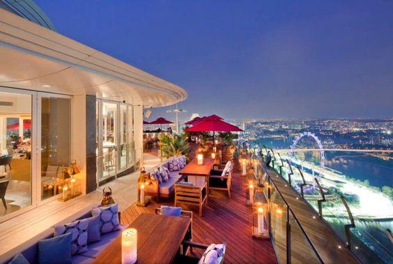 Khách sạn Marina Bay Sands là quần thể nghỉ mát hỗn hợp trị giá 5,7 tỷ USD