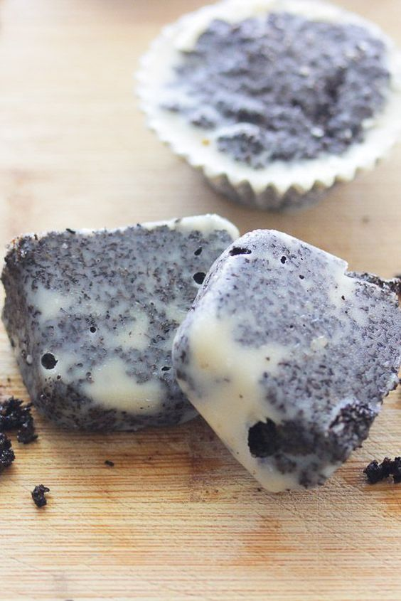 Body scrub cubes that use coffee grounds; a great way to scrub the body and add moisture.: