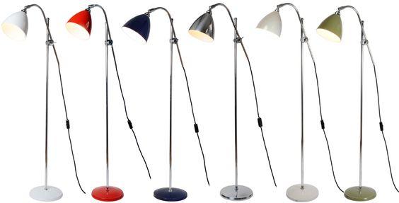 Lese-Stehlampe mit verstellbarem Ausleger TASK *Die Schirme und Sockel der Stehlampen gibt es in verschiedenen Farben