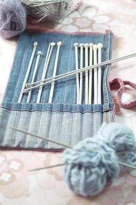 Estuche para las agujas de tejer con jeans reciclados.
