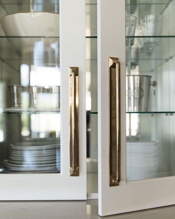 chic brass cabinet hardware, hardware, brass, handle, door pull, cabinet, door, details, accessories, hardware, finishing touches, interiors, interior design, online interior design, house, home, kismet interiors, kismet interiors studio, kismet magic