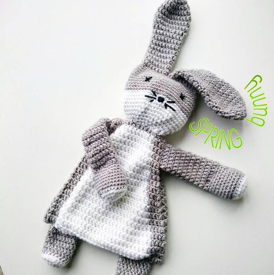 SPRING bunny! #amigurumi #crochetconcupiscence #crochet #haken #ragdoll #bunny #instacrochet by muriesu