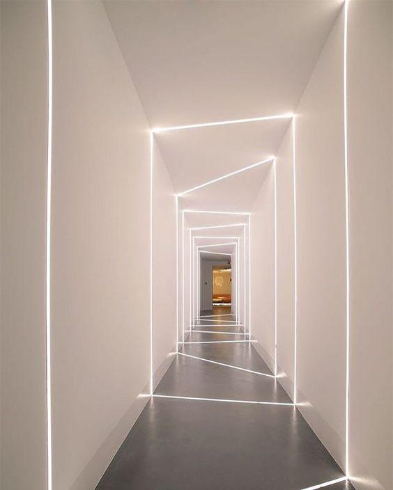 come-illuminare-scale-e-corridoi