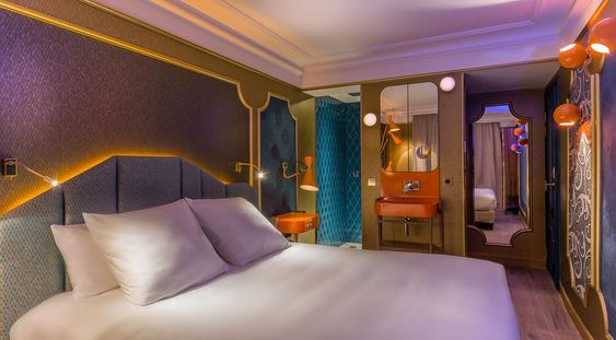 Idol Hotel #Paris Chambre Moon Blue #hotelparis  #hotelgrandsboulevards  #musichotel http://www.delightfull.eu/en/