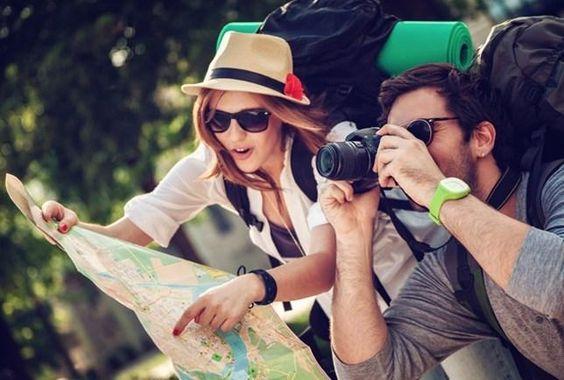 """Desde fazer ligações telefônicas usando o Wi-Fi até reservar """"hotéis secretos"""", esses truques farão a diferença em sua viagem"""
