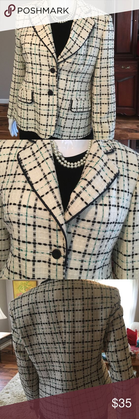 Rena Rowan blazer This lovely blazer is in prestine condition, great for all seasons, it's winter white w black and greens sewed in stripes, very well made . Bundle and save 🌸🌸 rena rowan Other