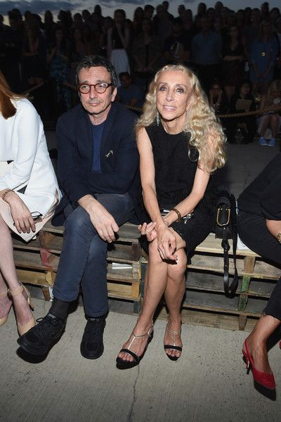 Franca Sozzani Photos - Editor-in-chief of Vogue Italia, Franca Sozzani (R) and guest attend the Givenchy fashion show during Spring 2016 New York Fashion Week at Pier 26 at Hudson River Park on September 11, 2015 in New York City. - Givenchy - Front Row - Spring 2016 New York Fashion Week