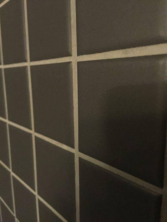 Zwarte tegels 10×10 cm   Toilet tegels   Pinterest