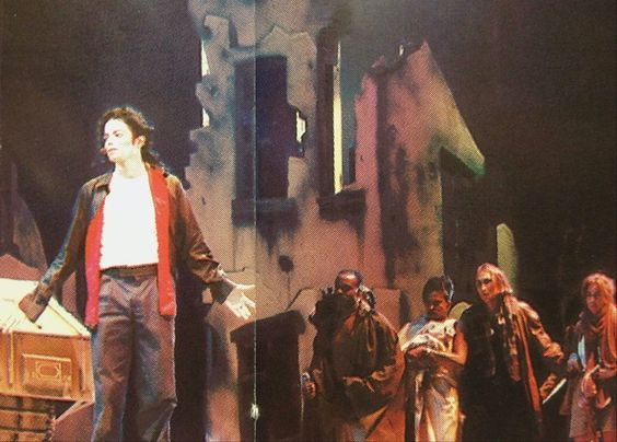 earth song live