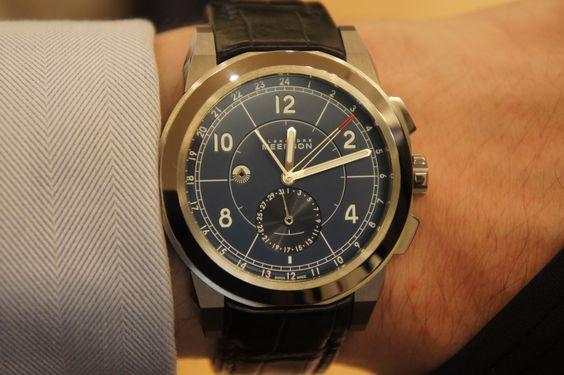 Alexandre Meerson MEERSON D15 MK-1 GMT A True Blue dial sheathed in a titanium case.
