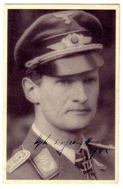 ✠ Sigmund-Ulrich Freiherr von Gravenreuth (21 October 1909 – 16 October 1944) Died in a crash during a testflight over Breslau. RK 24.11.1940 Oberleutnant Flugzeugführer i. d. 1./KG 30 09.01.1945 [692. EL] Oberstleutnant Kdre KG 30