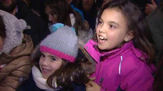 El desfile, que contaba con 33 carrozas y estaba inspirado en un viaje por el mundo, llega a Cibeles bajo la mirada de miles de niños