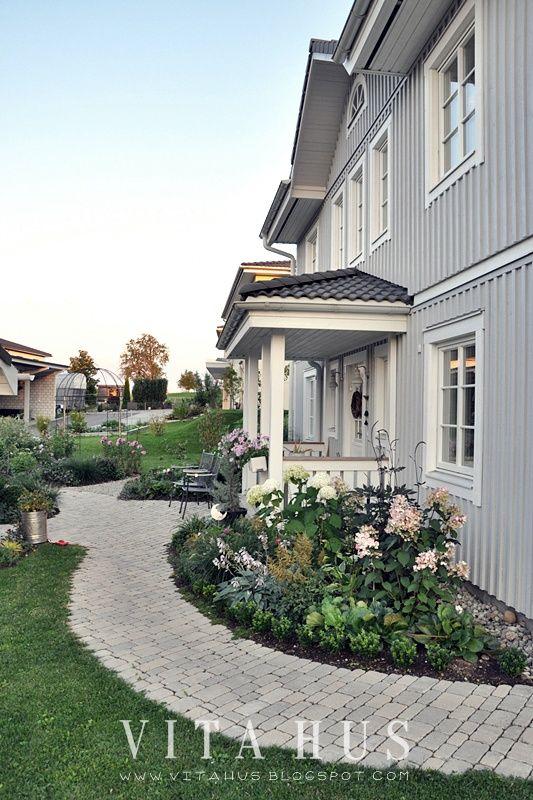 Schwedenhaus gartengestaltung  Skandinavisches Wohnen, wohnen in weiss, shabby chic, Schwedenhaus ...