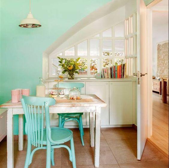 Comedor office en verde menta y blanco con sillas for Sillas comedor turquesa