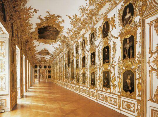 The Ancestral Halls Of The Residenz Munich C Bayerische Schlossverwaltung In 2020 Schloss Munchen Munchen Klassizismus