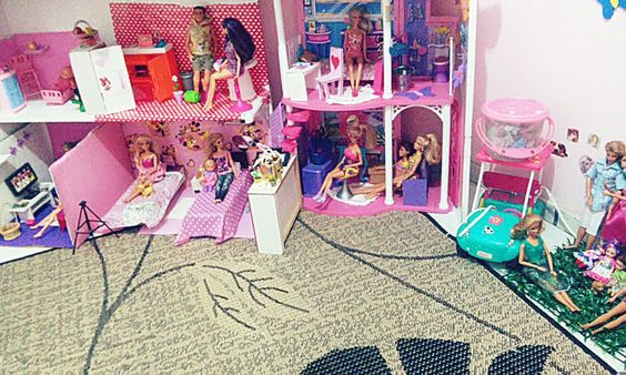 Minha casa da Barbie customizada