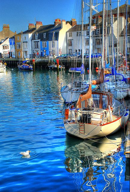 A view of the Cove area of Weymouth Harbour www.saintluke.co