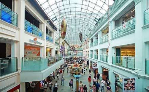 Phố xá nhộn nhịp tại Singapore