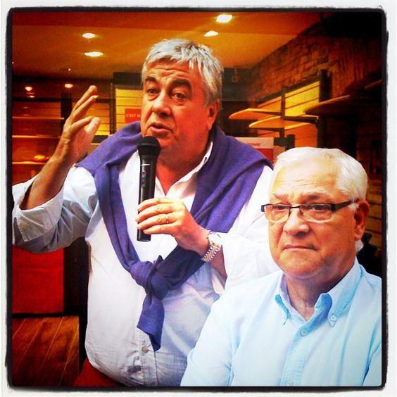 Roland Garrigues (micro), & José Gonzalez    Lancement  de la campagne de l'élection législative de Valérie Rabault PS    Permanence Rue du Greffe, Montauban (82)    © phb.me patricia huchot-boissier  www.phb.me
