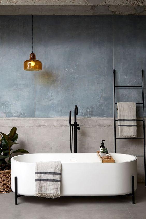 Rough Concrete With Elegant Tub Decoration Interieur Maison Interieur Maison Salle De Bain Design