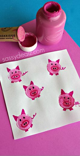 Make a pig bunny frog craft by stamping wine corks in pink paint! Great farm art project for the kids to make.