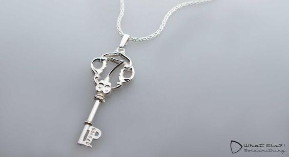 Persoonlijke Zilveren Sleutel aan ketting, naar eigen ontwerp van de klant…