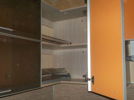 Небольшая угловая кухня 01-006