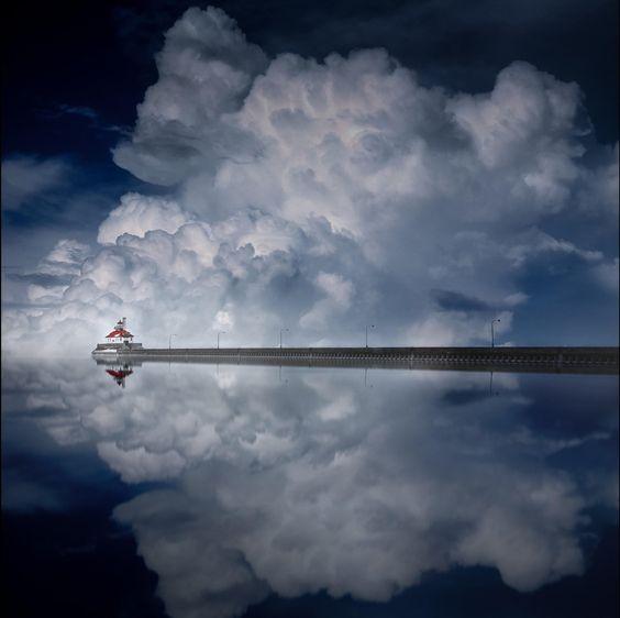 Cloud Descending, by Like_He
