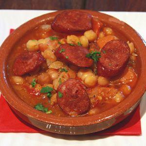 Receta garbanzos con chorizo recetas for Cocinar garbanzos con chorizo