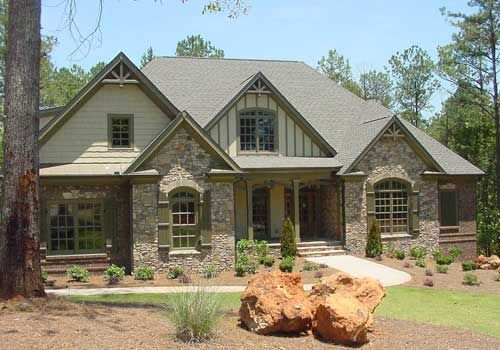 Like the exterior mix of materials stone brick and for Mixing brick and stone exterior