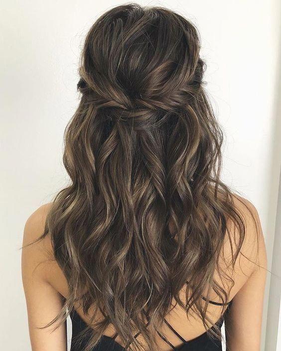 28 Captivating Half Up Half Down Wedding Hairstyles Brunette Hairstyle Medium Length With Twists Vinta Bridesmaid Hair Makeup Hair Styles Wedding Hair Half