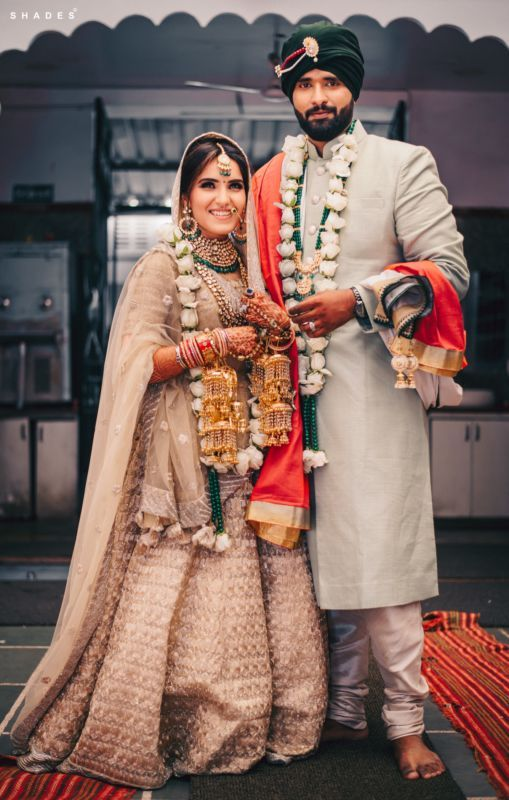 Real Couples Who Aced The Color Contrast Game In 2019 Wmg Roundup Wedding Outfits For Groom Indian Wedding Outfits Bridal Outfits