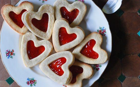 Lunnette en coeur à la confiture ! Découvrez comment cuisiner cette recette sur mon blog de cuisine :)