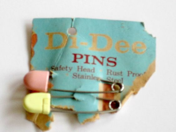 vintage diaper pins: Funny Things, Cloth Diapers, Vintage Styles, Baby Clothes, Antiques Vintage