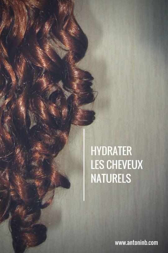 Les cheveux naturels, entretenus avec des produits naturels, ont besoin d'hydratation. Mais comment hydrater ses cheveux secs ?