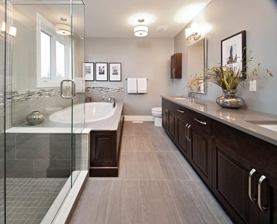 Master ensuite in the Mansfield model home in Findlay Creek
