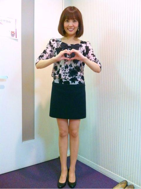 小林麻耶かわいいポーズを披露