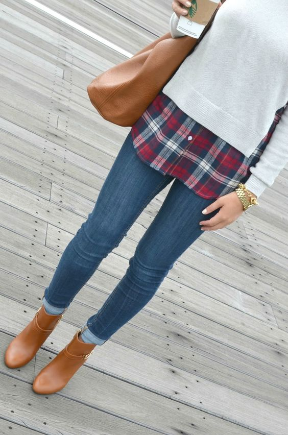 Plaid and Booties | Touch of Rose blog  #fall #fallfashion #booties #plaid #sweater #sweaterweather #goldwatch #goldbracelet #starbucks #coffee #blog