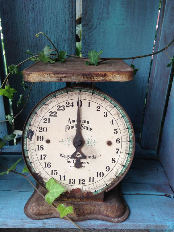 Perfectly Rusty Vintage Scale Available @ facebook.com/MelsCornerAntiques