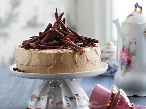 Mokka-Buttercreme-Torte ist ein Rezept mit frischen Zutaten aus der Kategorie Torten. Probieren Sie dieses und weitere Rezepte von EAT SMARTER!