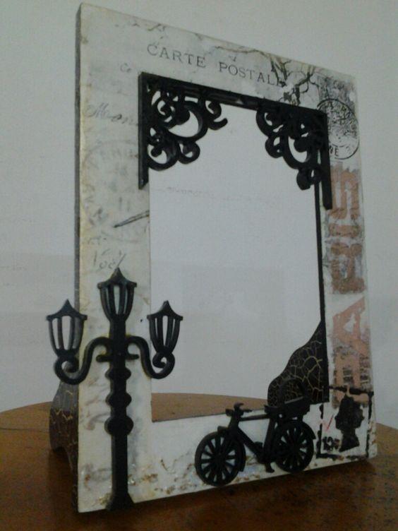 Portaretrato en madera con decoraci n un poco vintage - Apliques para cuadros ...