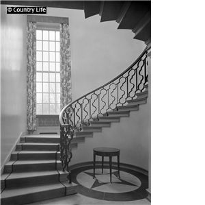 The staircase at 42 Cheyne Walk, designed by Sir Edwin Lutyens in 1933 for Guy Liddell and his wife Hon, Calypso Baring. Pub Orig CL 14/01/1933