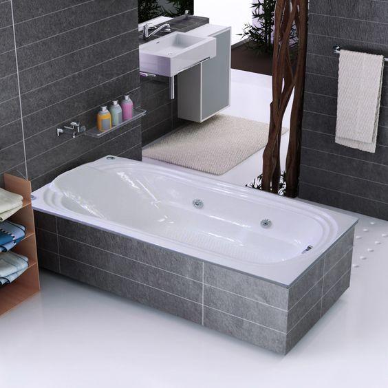 Um bom banho de banheira ajuda a recuperar as energias! Ainda mais uma banheira de hidromassagem. :D